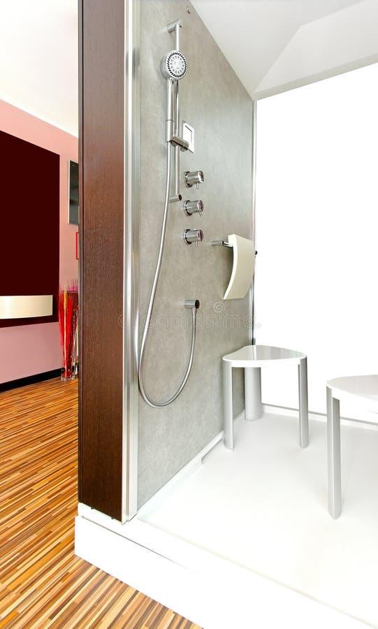 Interior moderno de la ducha imágenes de archivo libres de regalías