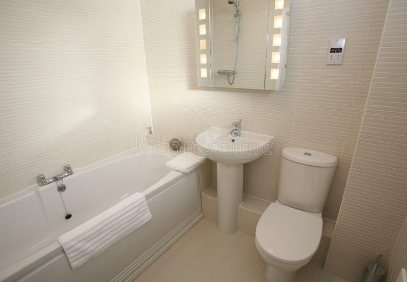 Interior moderno de la habitación del cuarto de baño fotografía de archivo