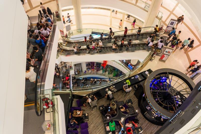 Interior moderno de Siam Shopping Mall, Bangkok, Tailandia fotos de archivo libres de regalías
