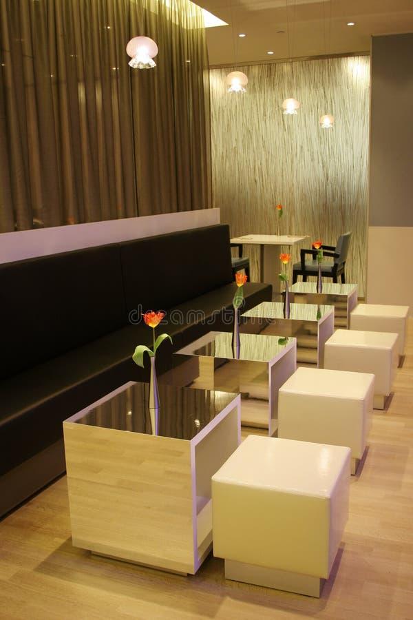 Interior moderno de un café foto de archivo libre de regalías