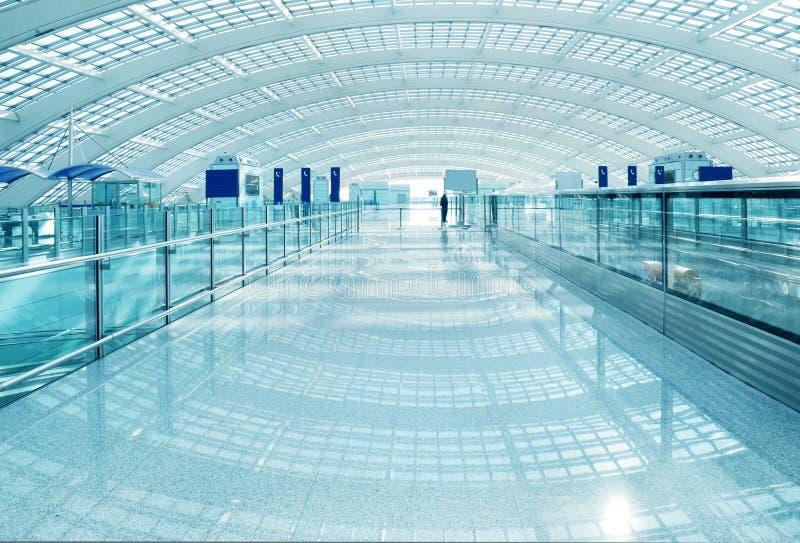 Interior moderno del aeropuerto fotos de archivo