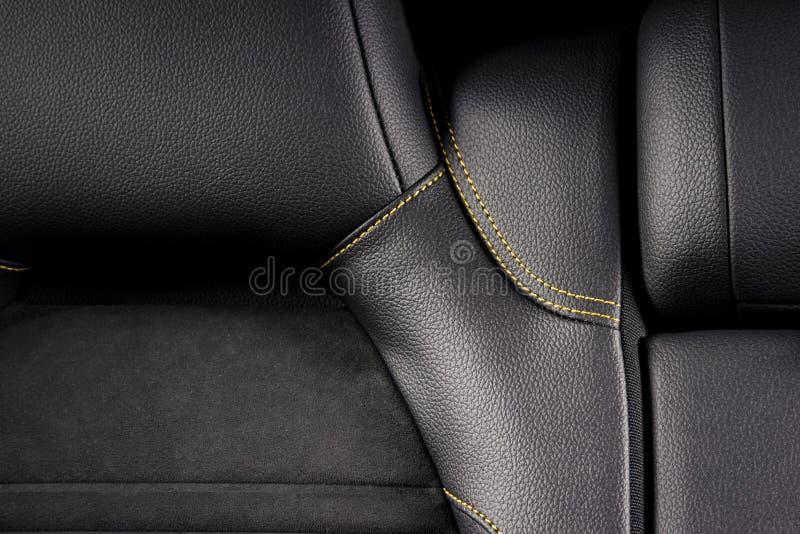 Interior moderno del coche deportivo fotos de archivo