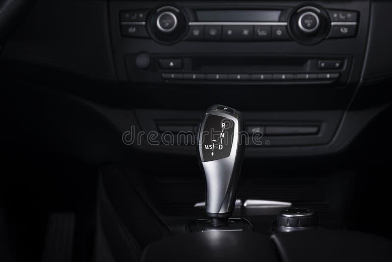 Interior moderno del coche deportivo imagen de archivo libre de regalías