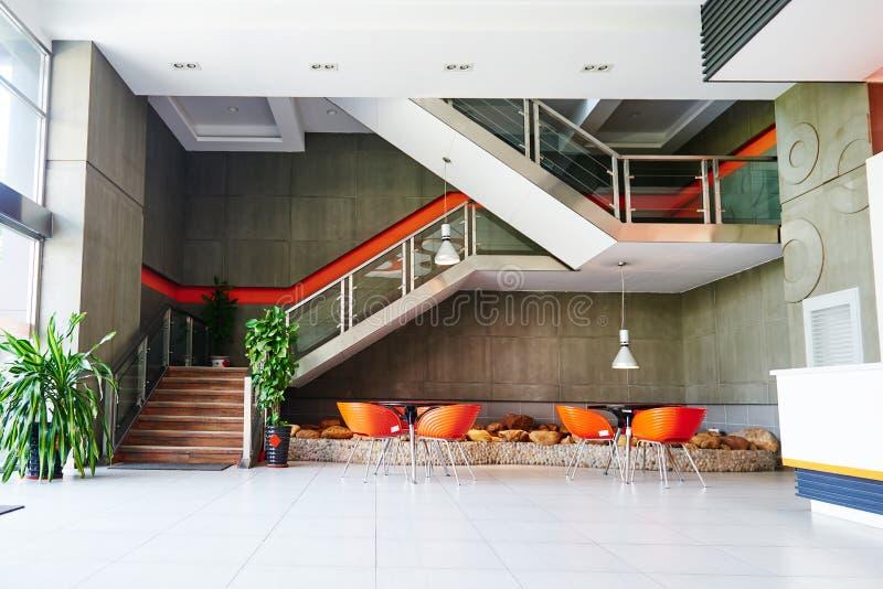 Interior moderno del edificio fotografía de archivo