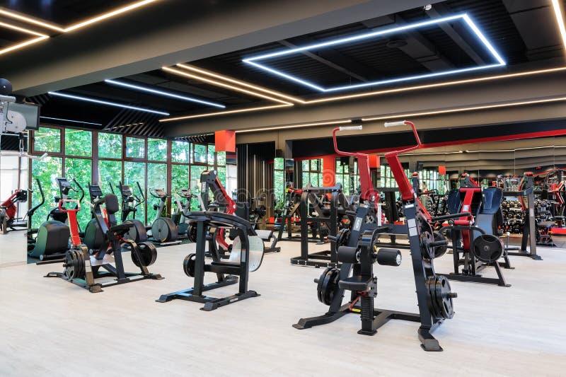 Interior moderno del gimnasio fotografía de archivo