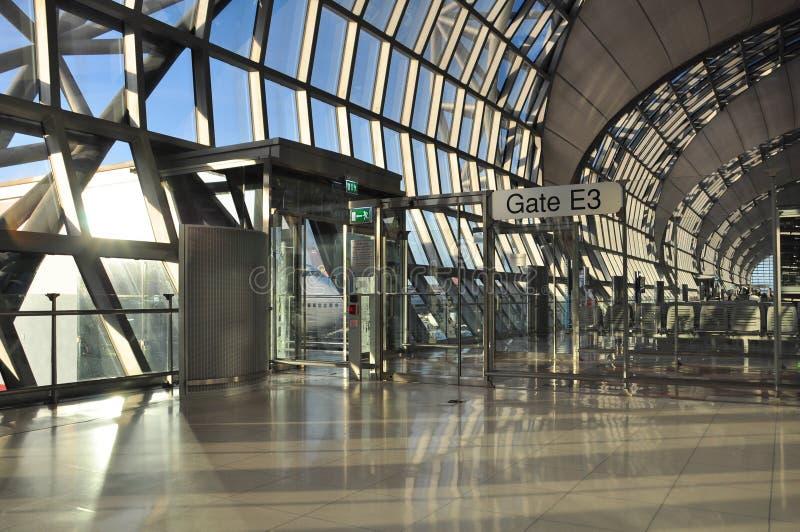 Interior moderno do aeroporto, aeroporto internacional de Suvarnabhumi, proibição fotos de stock