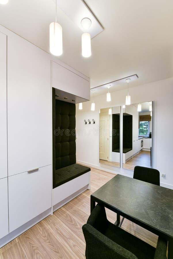 Interior moderno do apartamento fotos de stock