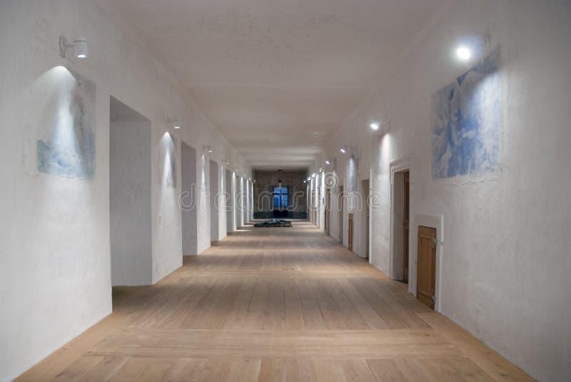 Interior moderno do corredor do corredor do castelo do castelo imagem de stock royalty free