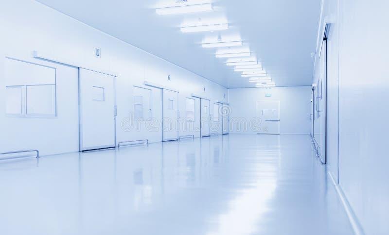 Interior moderno do laboratório de ciência ou da fábrica da indústria fotos de stock royalty free