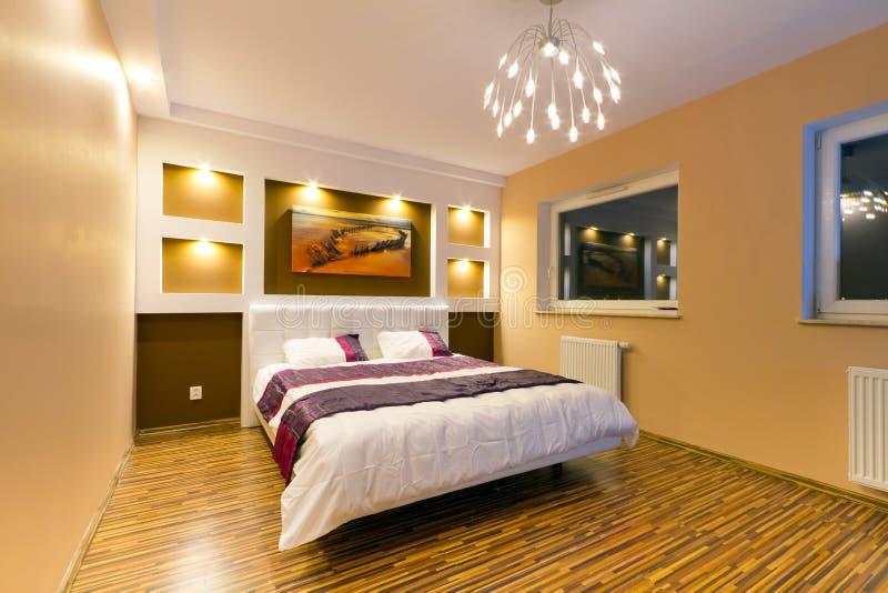 Interior moderno do quarto mestre fotos de stock royalty free