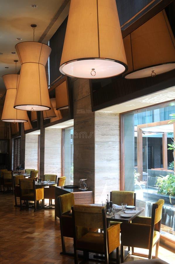 Interior moderno do restaurante fotografia de stock royalty free