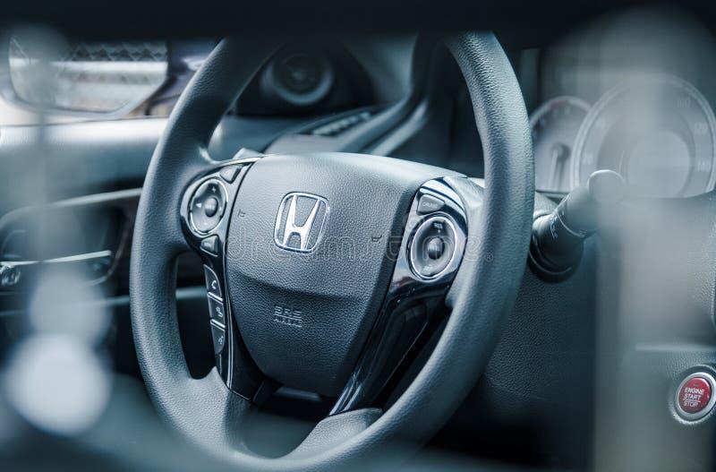 Interior moderno Honda Accord del coche imágenes de archivo libres de regalías