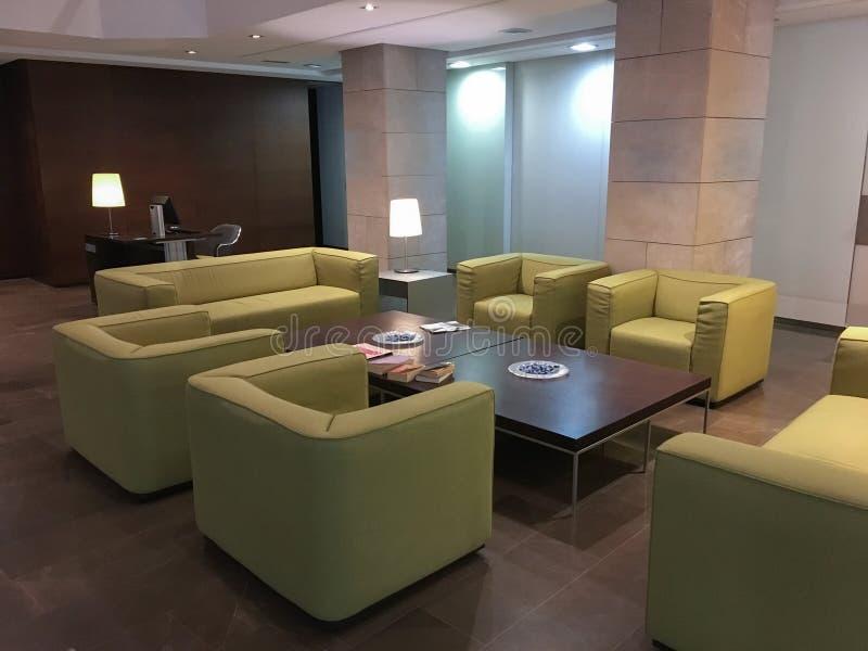 Interior no vestíbulo do hotel imagens de stock royalty free