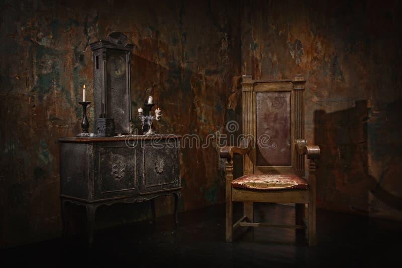 Interior oscuro místico imagen de archivo libre de regalías