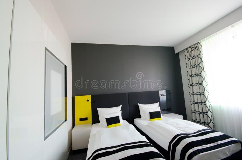 Interior - quarto no hotel imagens de stock