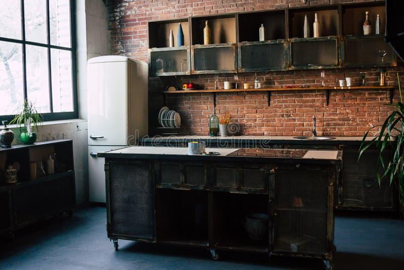 Interior rústico de la cocina fotografía de archivo libre de regalías