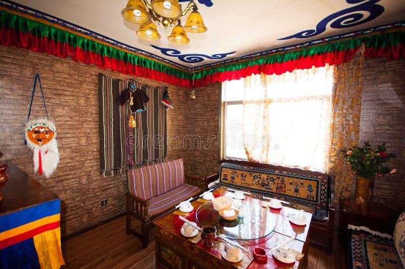 Interior residencial tibetano imagen de archivo