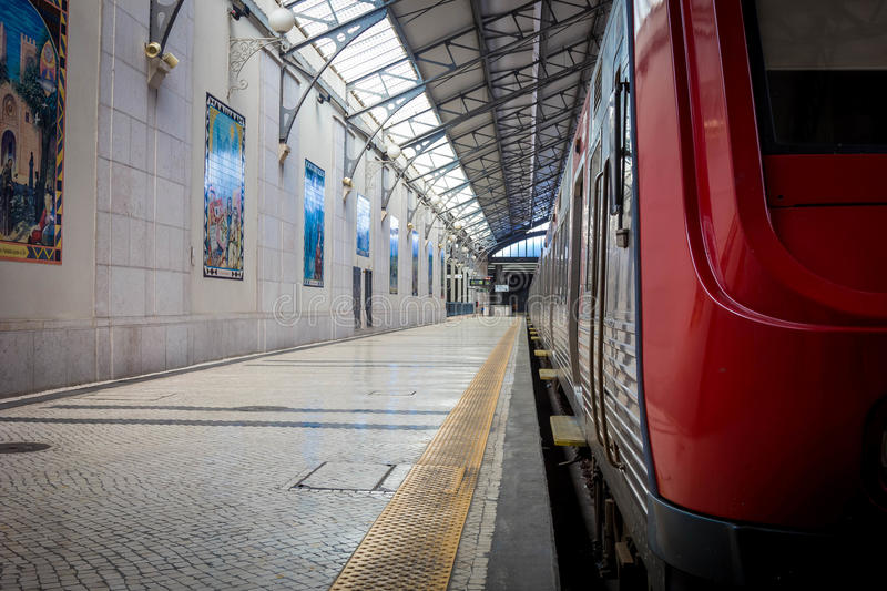 Download Interior Of Rossio Railway Station In Lisbon, Portugal Editorial Stock Image - Image of indoor, building: 83723779