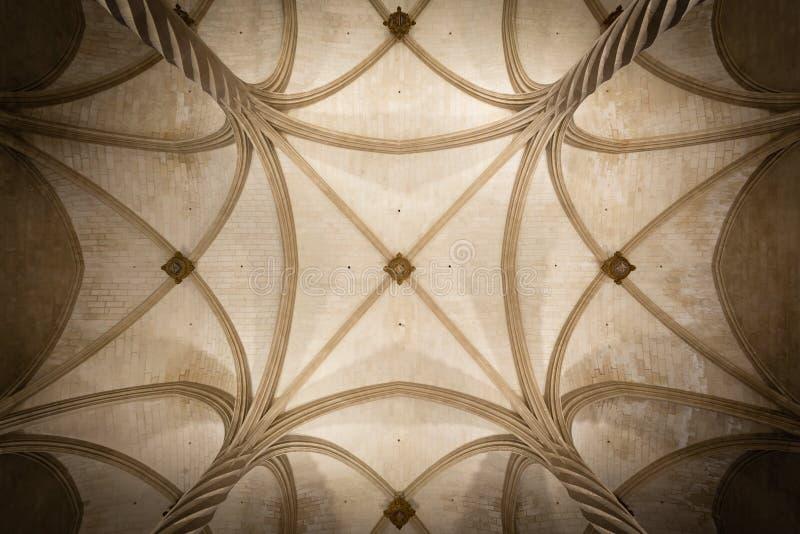 Interior saltado gótico del techo de Llotja del La en Palma de Mallorca imagen de archivo libre de regalías