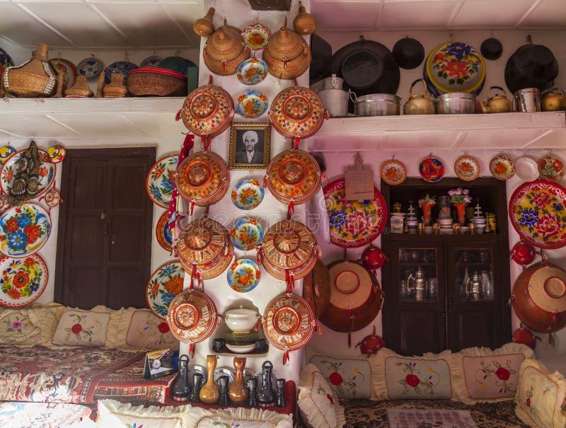 Interior típico da casa tradicional Harar etiópia fotografia de stock