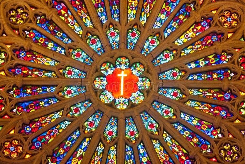 Interior una iglesia católica fotos de archivo libres de regalías