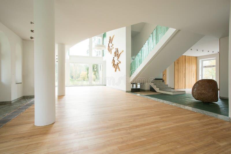 Interior vacío del hogar desenchufado fotografía de archivo libre de regalías