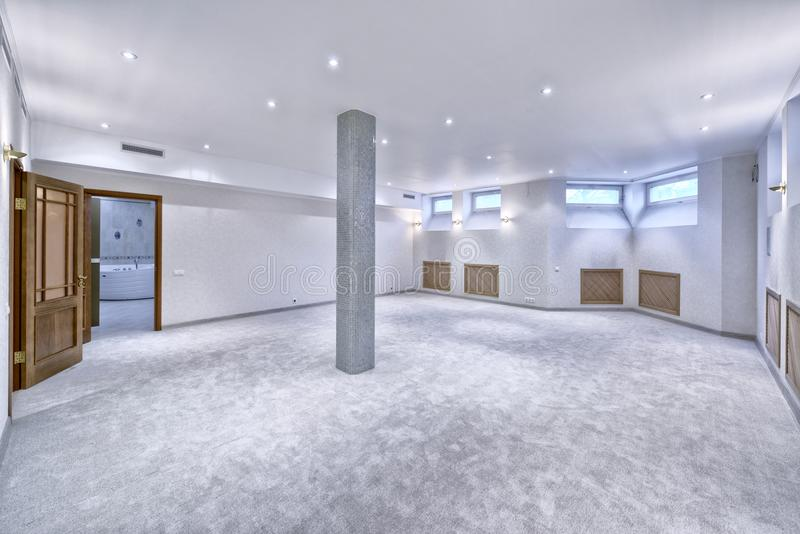 interior vacío en casa moderna imagen de archivo libre de regalías