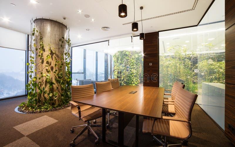 Interior vazio do escritório de projeto moderno fotos de stock