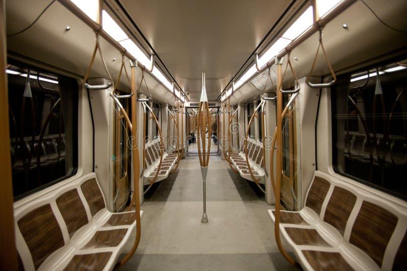 Interior vazio do vagão do metro fotografia de stock