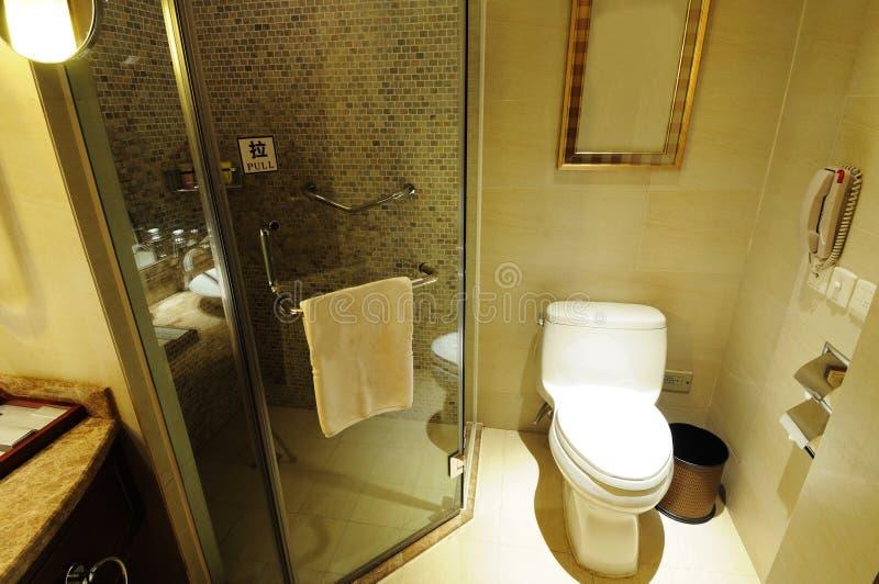Interiore 8 della stanza da bagno dell'hotel immagine stock libera da diritti