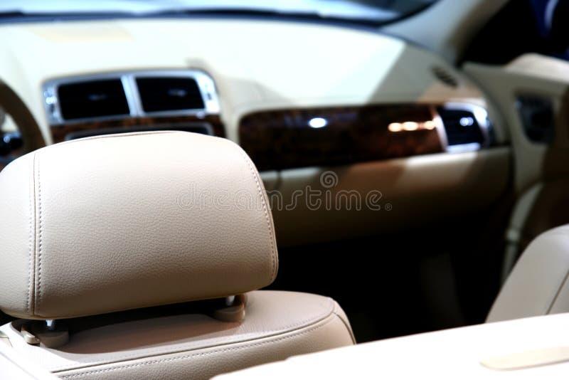 Interiore cuoio/dell'automobile fotografia stock libera da diritti