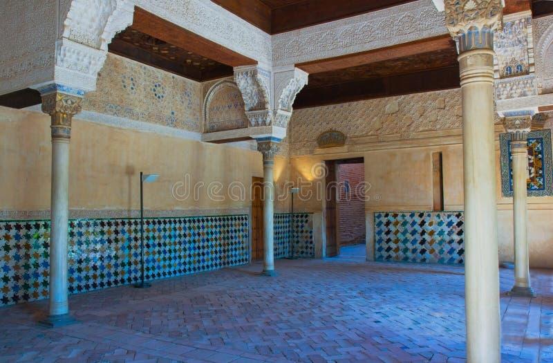 Interiore del castello di Alhambra, Granada, Spagna fotografia stock libera da diritti