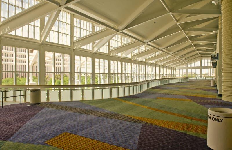 Interiore del centro di convenzione immagini stock