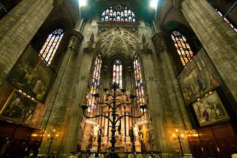 Interiore del Duomo di Milano immagine stock libera da diritti