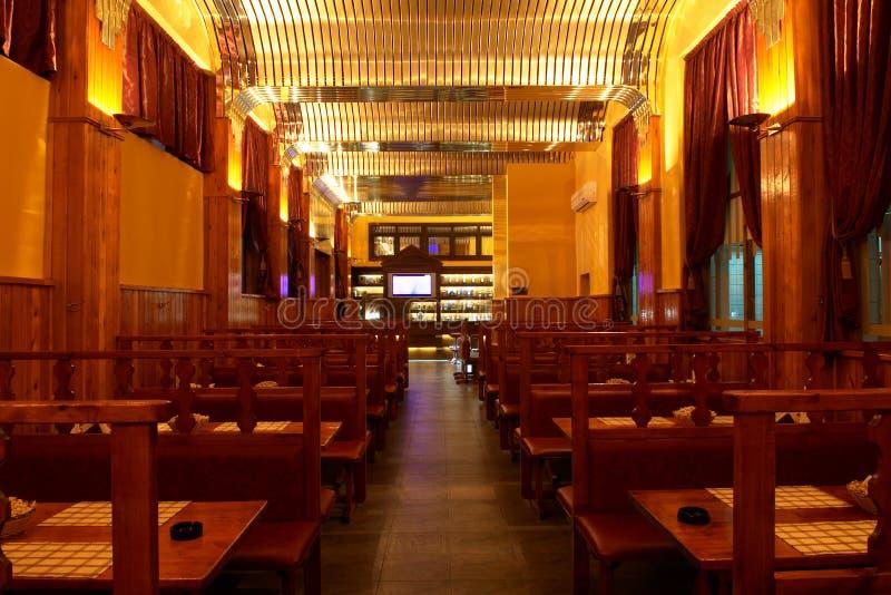 Interiore del pub della birra immagini stock