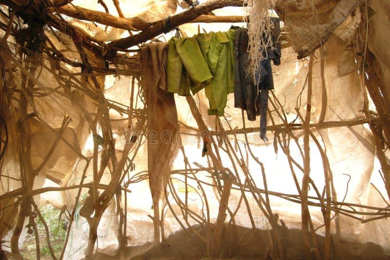 Interiore del riparo in Darfur fotografia stock