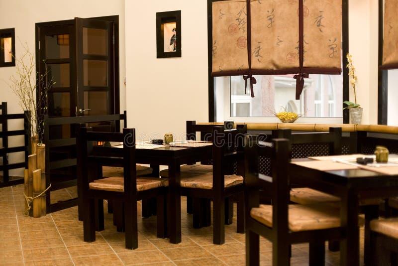 Interiore del ristorante giapponese, barra di sushi fotografie stock