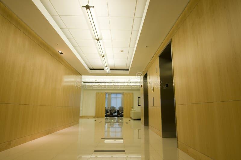 Interiore dell'ingresso dell'ufficio immagini stock libere da diritti