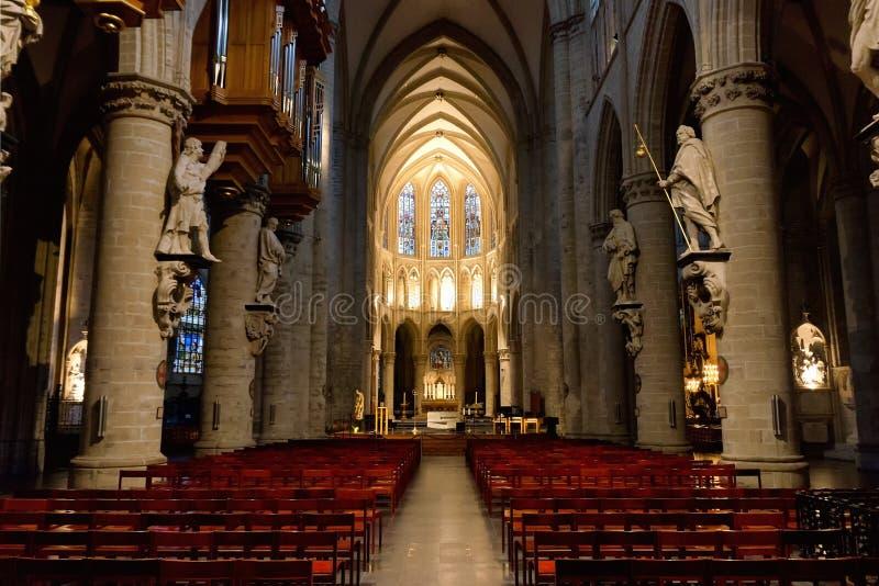 Interiore della cattedrale della st Michael e della st Gudula fotografia stock libera da diritti