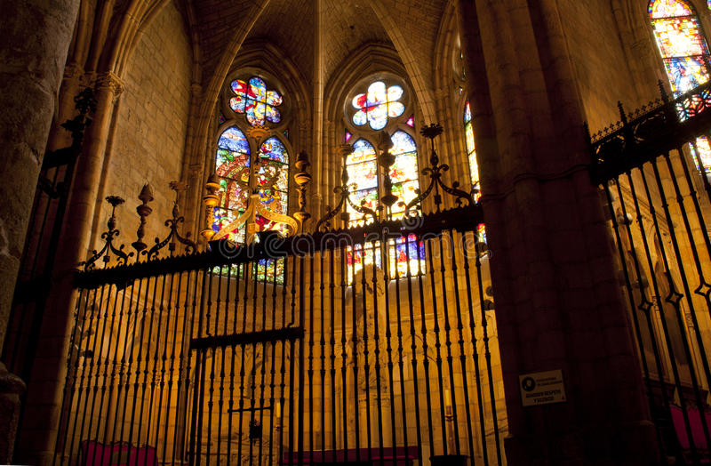 Interiore della cattedrale di Leon fotografia stock libera da diritti