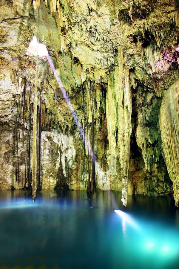 Interiore della caverna fotografie stock