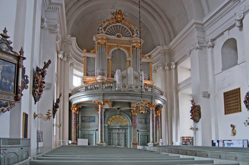 Interiore della chiesa della Svezia Kalmar immagini stock