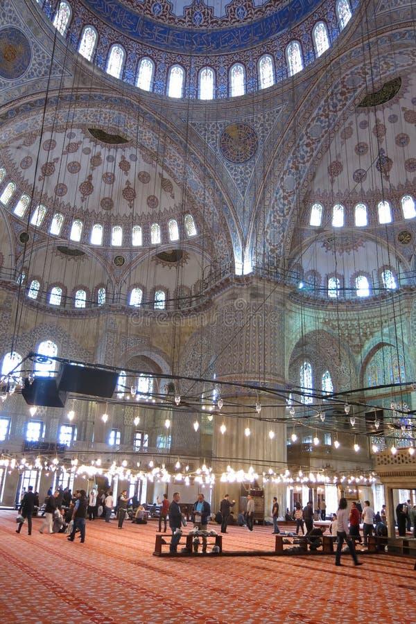 Interiore della moschea blu, Costantinopoli, Turchia fotografie stock libere da diritti