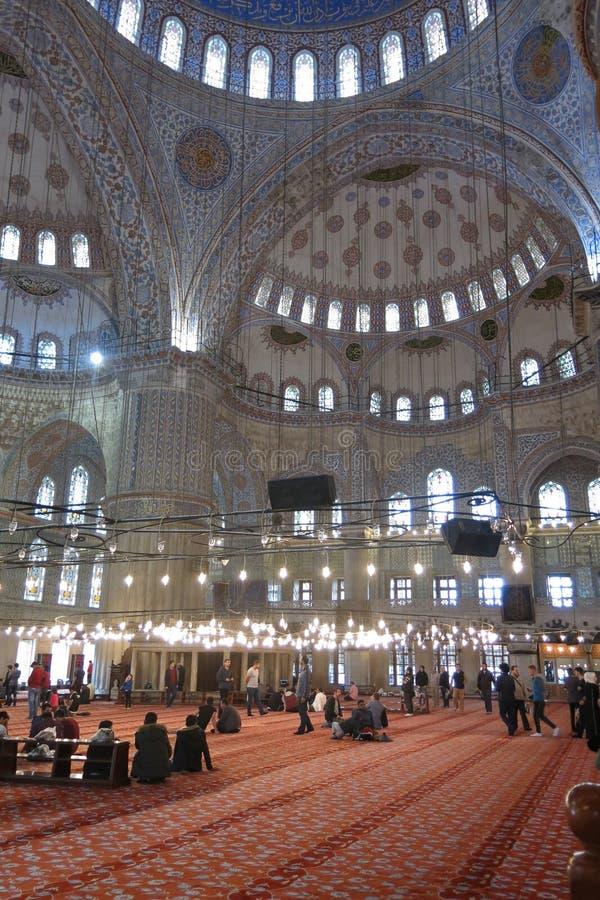 Interiore della moschea blu, Costantinopoli, Turchia fotografia stock