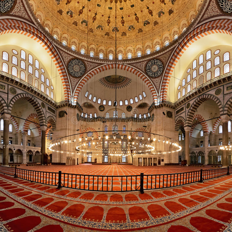 Interiore della moschea di Suleymaniye a Costantinopoli immagine stock libera da diritti