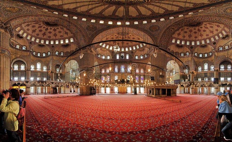 Interiore della moschea di Sultanahmet a Costantinopoli fotografia stock libera da diritti