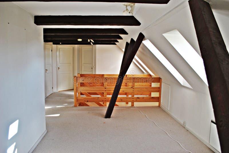 Interiore della soffitta immagine stock