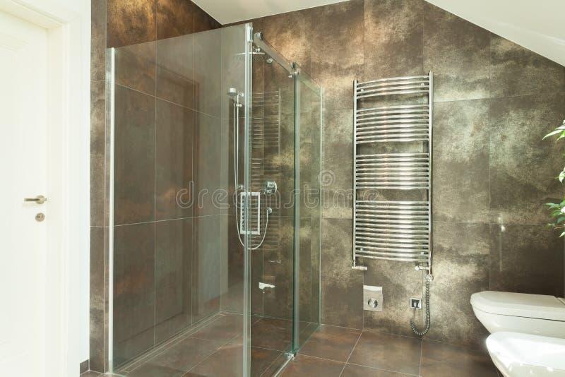 Interiore della stanza da bagno lussuosa fotografie stock libere da diritti