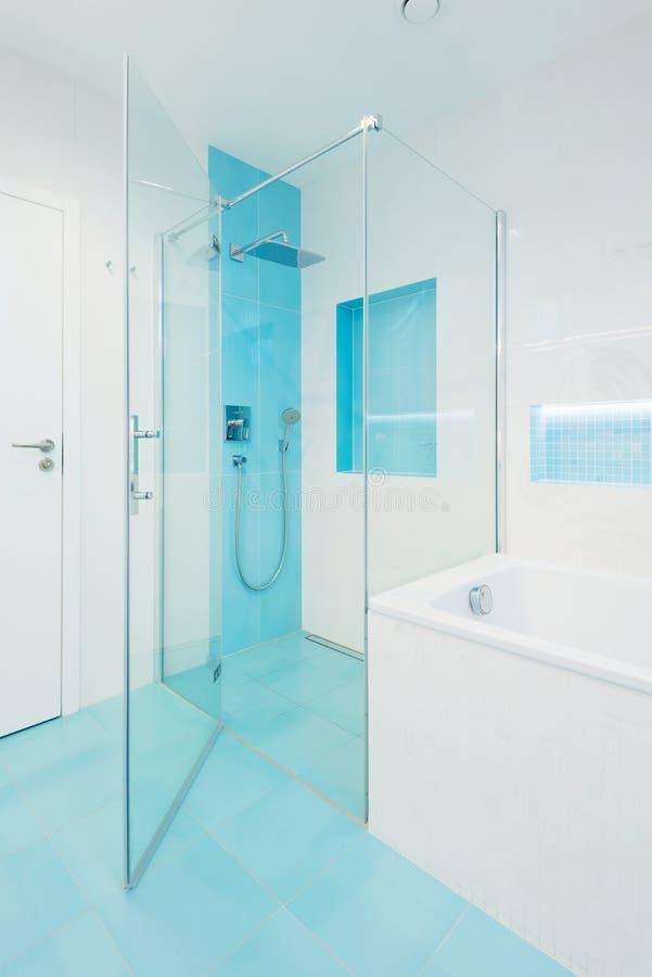 Interiore della stanza da bagno moderna fotografia stock