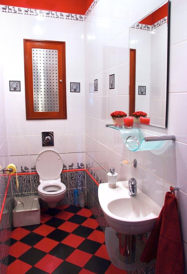 Interiore della stanza moderna del bagno fotografie stock